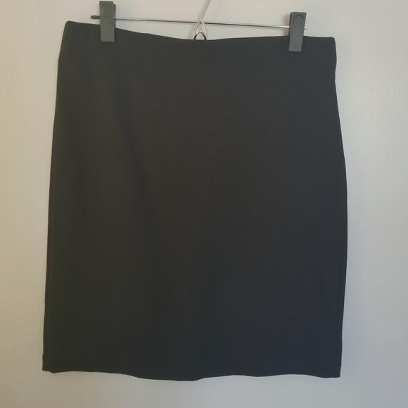 Old Navy Dresses & Skirts - Old Navy Black Stretchy Pencil Skirt